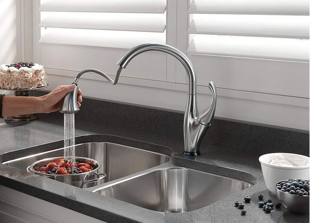 Delta Addison Single-Handle Touch Kitchen Sink Faucet with Pull Down Sprayer, Touch2O and ShieldSpray Technology